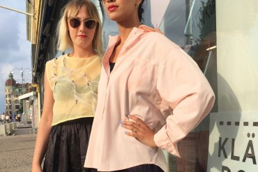 Stylist-duon i kläder från Klädoteket
