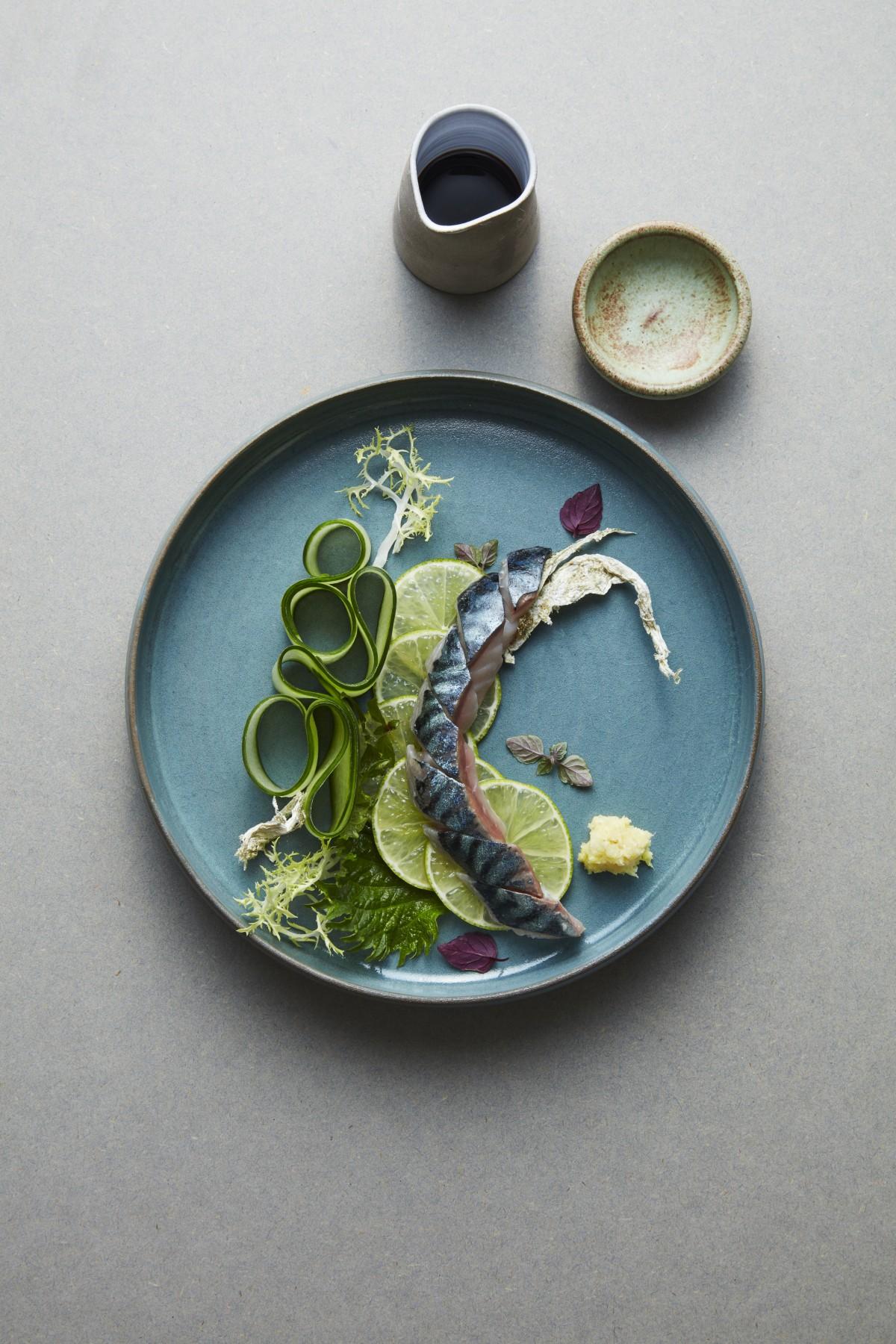Snabbpicklad makrill, lime, gurka