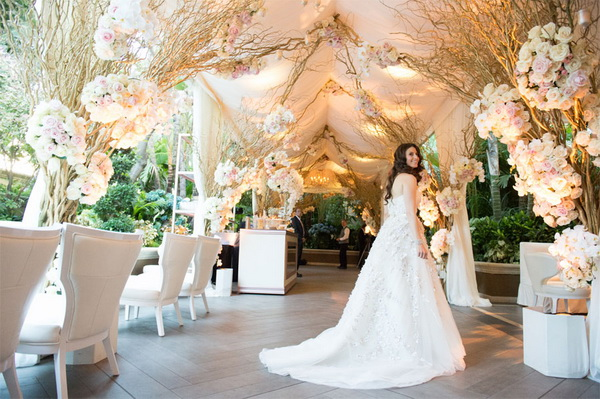romantic-wedding-idea-with-flowers