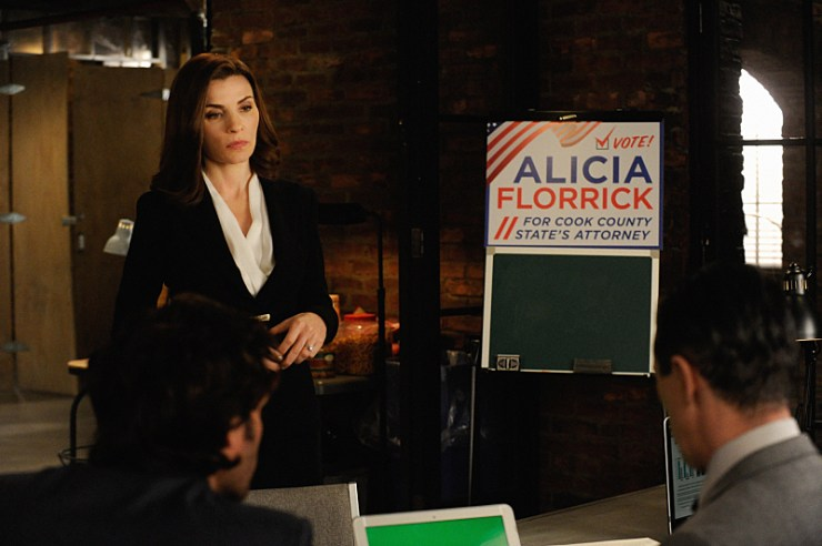 """""""The Trial""""-- When Cary's  case goes to trial, a plea deal offer has him seriously considering jail time.  Also, a joke between mother and daughter lands Alicia (Julianna Margulies ) in trouble as her campaign for State's Attorney is in full stride, on THE GOOD WIFE, Sunday, Nov. 23 (9:30-10:30 PM, ET/9:00-10:00 PM, PT), on the CBS Television Network. Photo: Jeffery Neira ©2014 CBS Broadcasting, Inc. All Rights Reserved"""