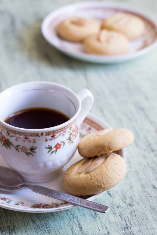 """Nan Khatai, Traditional Indian Cookies"""