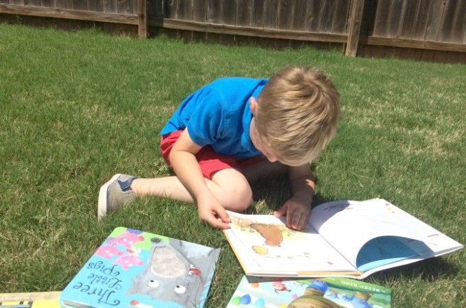 7 Ways to Encourage Your Kids to Love Books