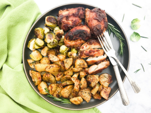Sweet Mustard Sheet Pan Chicken by The Whole Cook HORIZONTAL FEATURE full plate