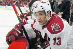 ray whitney on phoenix coyotes bench NHL Power Rankings: Red Hot Pittsburgh Penguins Take Over Top Spot, Followed by the Canucks and Blues