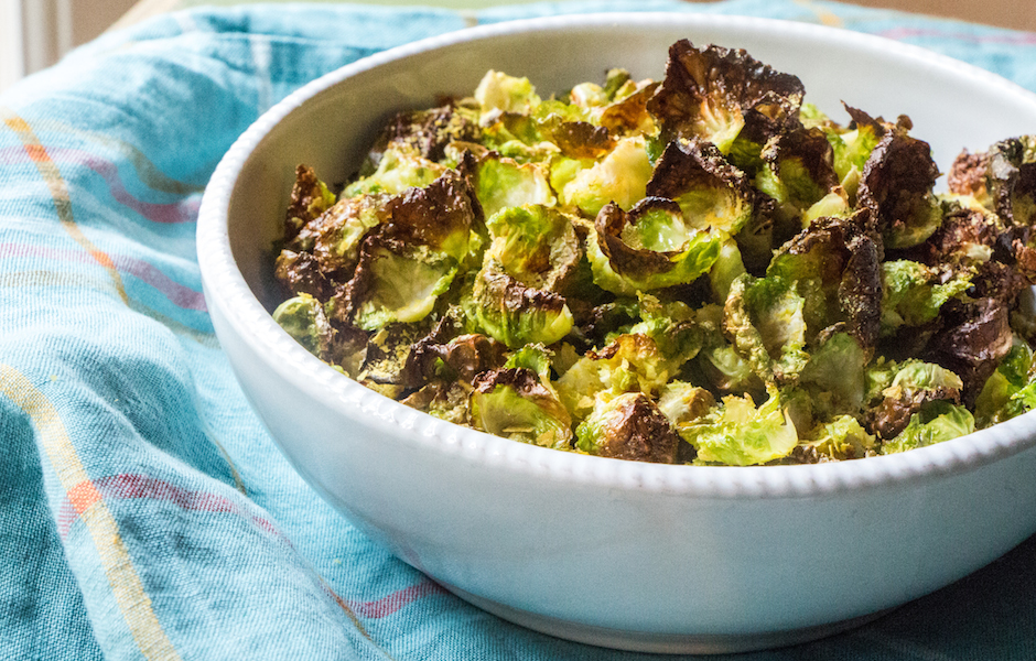 Brussels sprouts chips with Nutritional Yeast
