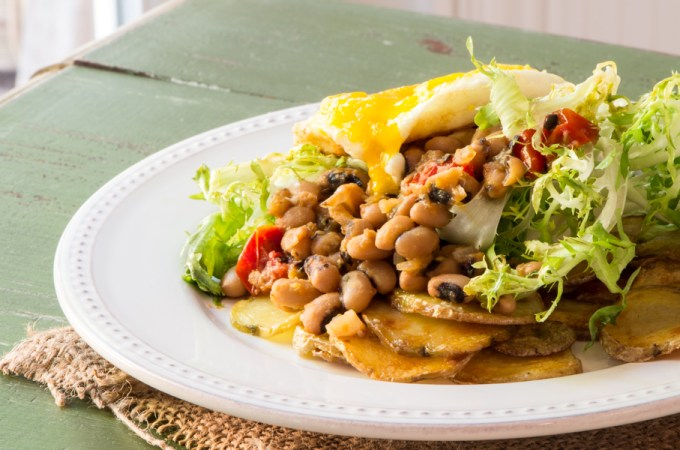 Black Eyed Pea Ragout with Frisée and an Egg: #SundaySupper