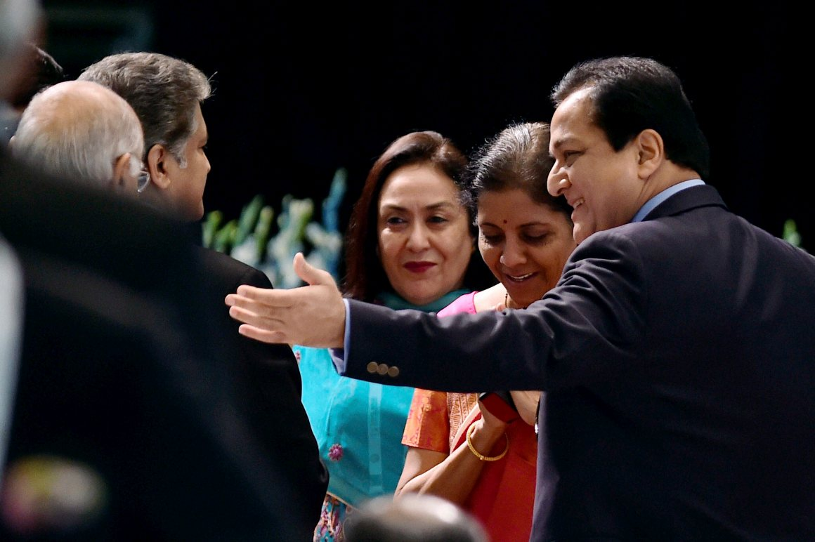 MoS for Commerce  Nirmala Sitharaman with investors. Credit: PTI
