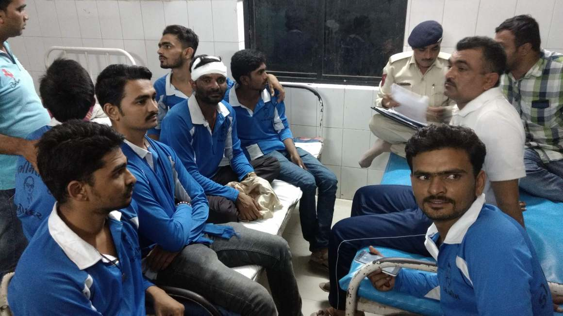 Injured Dalits getting treated in a hospital near Una. Credit: Special Arrangement