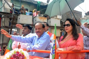 BJP MP from Chandni Chowk, Dr Harshvardhan along with Party MP from Mathura and veteren Bollywood actress Hema Malini during the road show for the favour of party candidate at Lal bagh, GT Road Azadpur in North Delhi on  Saturday