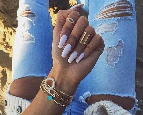 gold-jeans-nails-rings-Favim.com-3888806