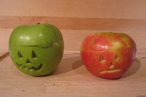 carved-apple-jackolanterns