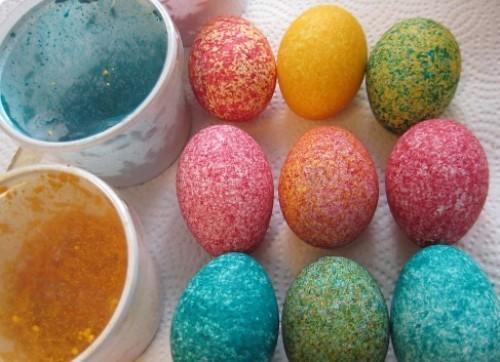 как покрасить яйца на пасху рисом 2