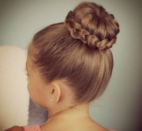 cute-little-girl-hairdos-with-braided-bun-55d80d540d519_500x506_00500462