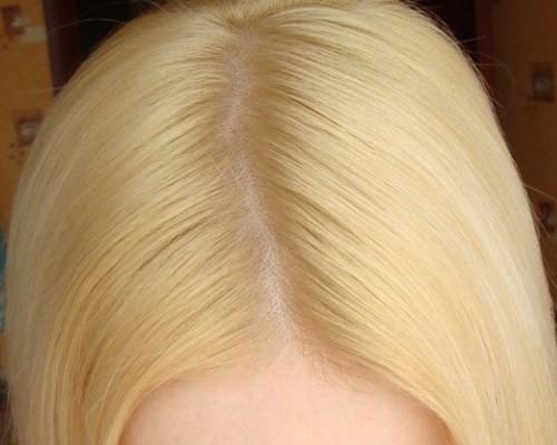 Как в домашних условиях убрать желтизну с окрашенных волос 182