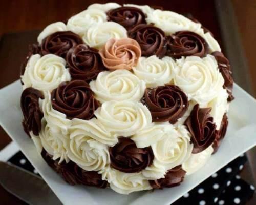 торт-украшенный-масляным-кремом