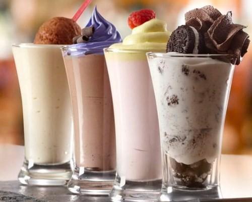 молочные коктейли в блендере рецепты с мороженым и фруктами