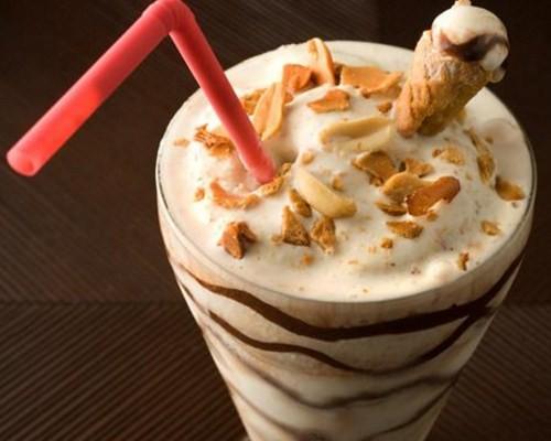 как приготовить молочный коктейль без мороженого в домашних условиях