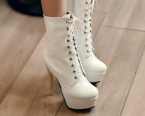 15a30662c89182d7ee0a8dfa9c195a4b--white-boots-white-lace