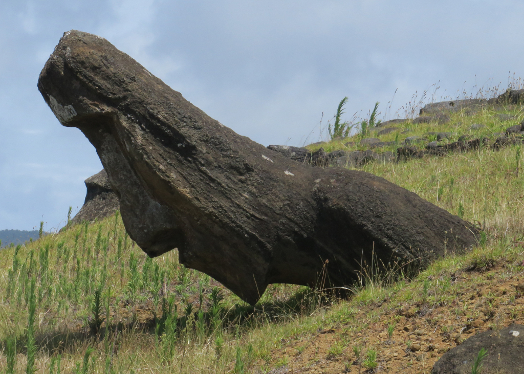 Fallen Moai, Easter Island, Island de Pacua, Chile, South America