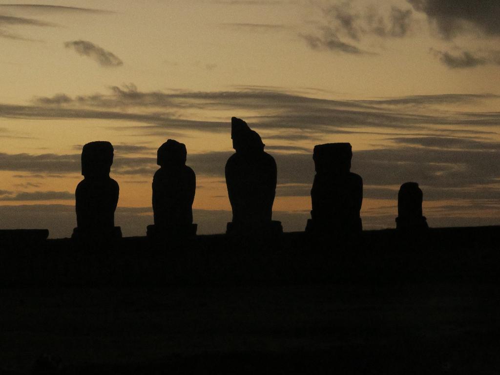 Tahai complex Easter Island, Rapa Nui, Hanga Roa, Vanuatu, Isla de Pascua, Chile, South America