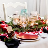 8 Chic Christmas Table Setting Ideas