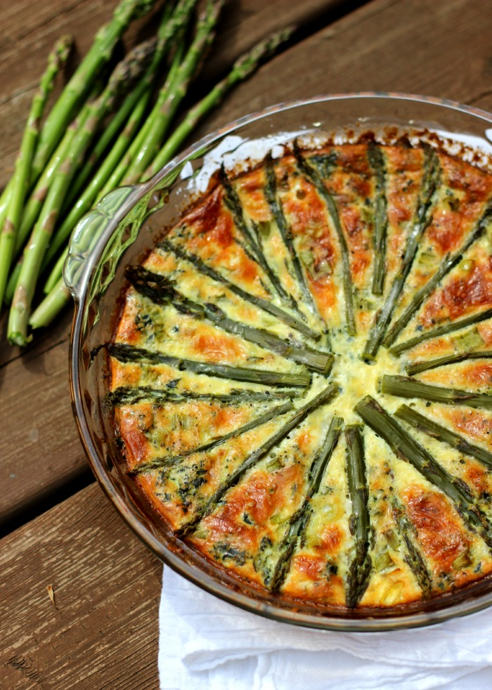 Crustless Asparagus Quiche with Spinach and Mushrooms – The Yooper ...