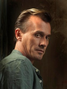 PRISON BREAK: Robert Knepper returns as T-Bag on a special two-hour Season Four premiere of PRISON BREAK airing Monday, Sept. 1 (8:00-10:00 PM ET/PT) on FOX. ©2008 Fox Broadcasting Co. Cr: Michael Lavine/FOX