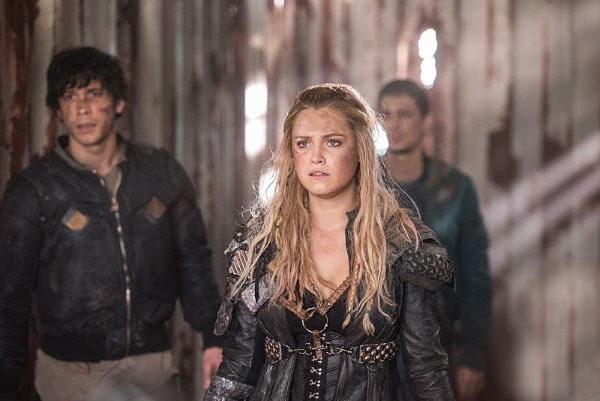 "The 100 -- ""Join Or Die"" -- Image HU313b_0090 -- Pictured (L-R): Bob Morley as Bellamy, Eliza Taylor as Clarke, and Devon Bostick as Jasper -- Credit: Dean Buscher/The CW -- © 2016 The CW Network, LLC. All Rights Reserve"