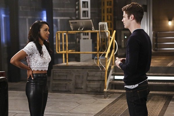 the-flash-rupture-candice-patton-grant-gustin-600x427