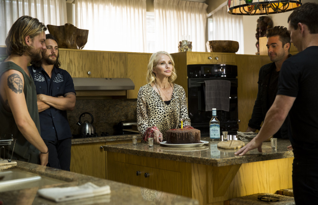 "TV Review: 'Animal Kingdom' (1x4) ""Dead to Me"""
