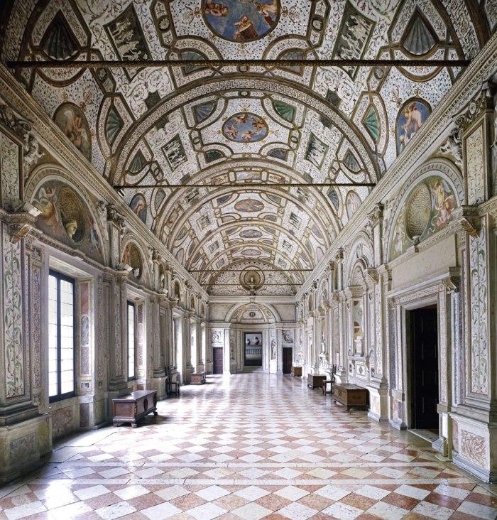 Candida Höfer Palazzo Ducale Mantova IV 2011