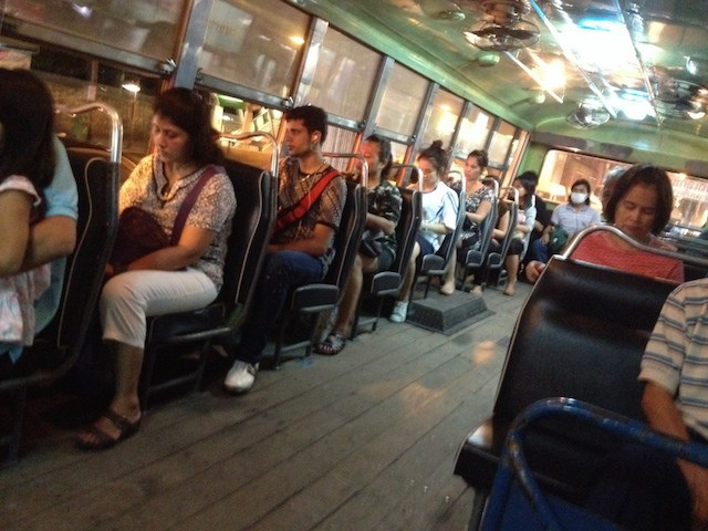 A local Thai bus - Bangkok, Tailandia