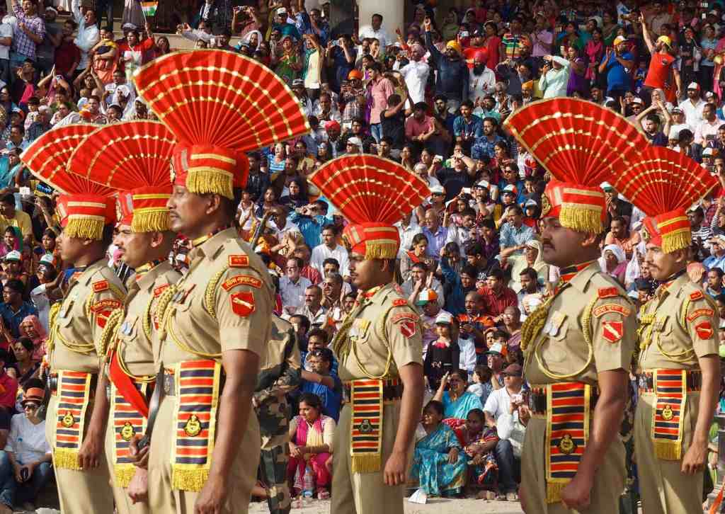 WHAT TO EXPECT AT THE INDIA PAKISTAN WAGAH BORDER CEREMONY