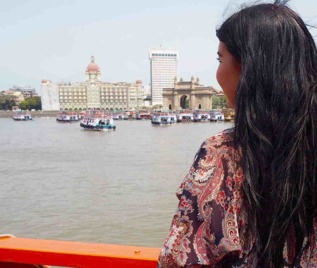 A FIRST TIMERS TRAVEL GUIDE TO MUMBAI (BOMBAY)