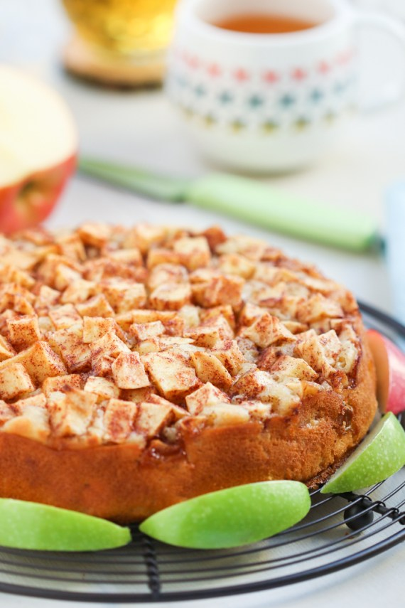 Julie Paschkis's Apple Cake 4