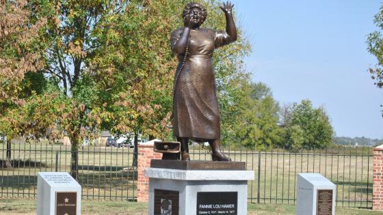 fannie-lou-hamer-statue