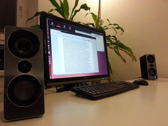 Schreibtisch mit Musik