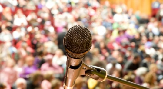 Microphone-and-Audience-690x400
