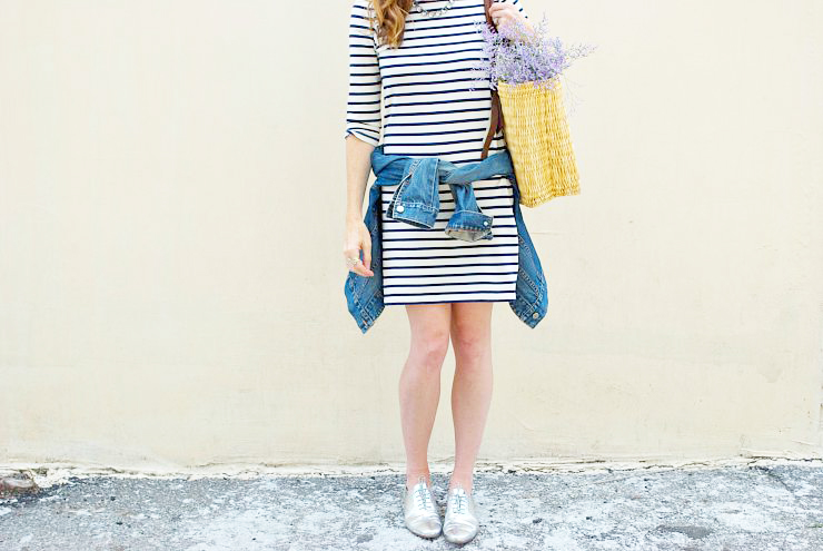 striped-dress-outfit-ideas-4