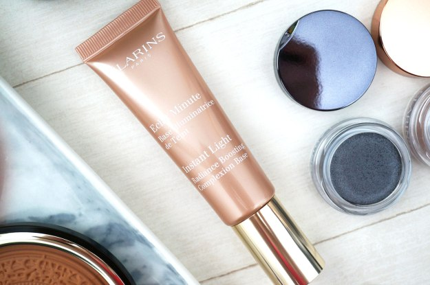 Instant-Light-Radiance-Boosting-Complexion-Base