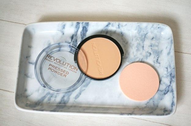 makeup-revolution-pressed-powder