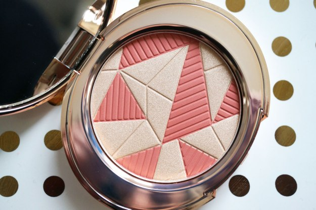 No.7-Glistening-Coral-Blush-Palette-review