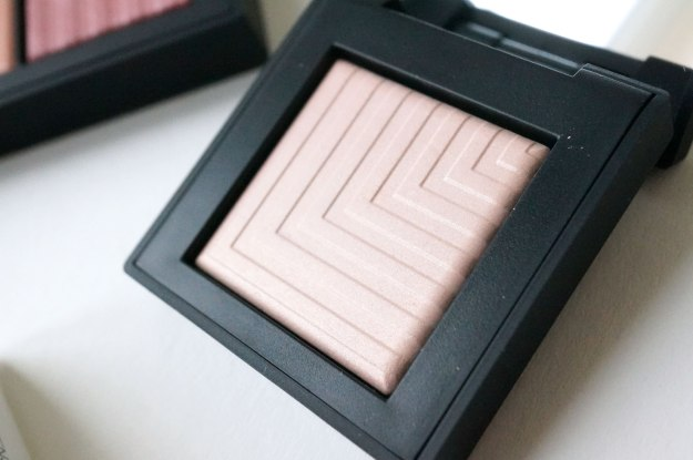 NARS-Summer-2016-Under-Cover-Collection-dual-intensity-eyeshadow-topless