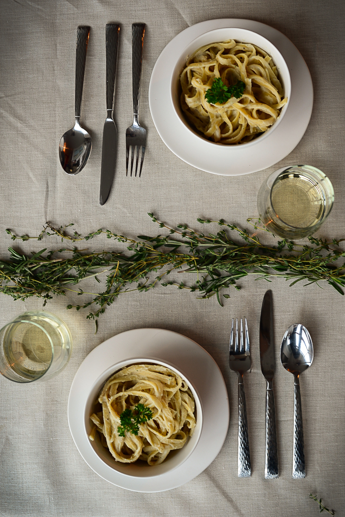 Homemade Alfredo Sauce Recipe - Delicious Vegan Alfredo recipe with cashews and potatoes