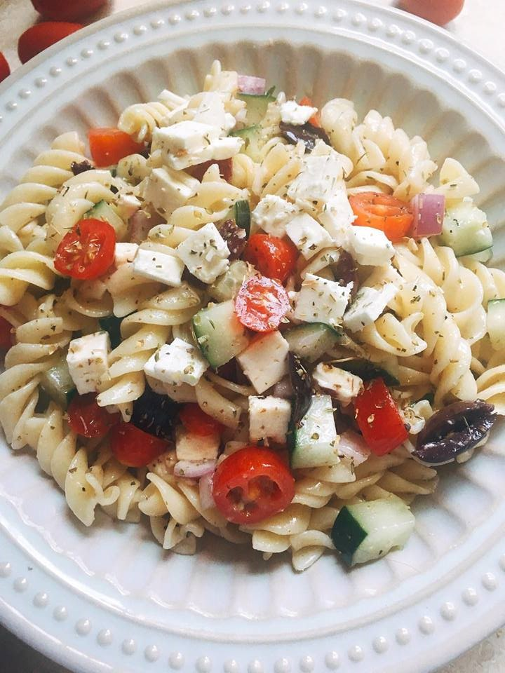 This Greek Pasta Salad is a light, kid-friendly, and unique side dish that will be a hit at all of your BBQs and parties. Easy to make and ready in just 15 minutes! | Three Olives Branch