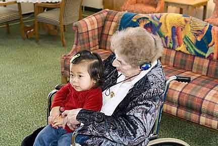 visit2008greatgrandma013.jpg