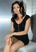953fb8101566621 Sexy Indian Model Rahna Photocall @ Local Event x 20 Leggy,Ups