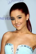 678536118813195 Ariana Grande attends the Justin Bieber Never Say Never Premiere in L.A, Feb 8