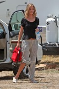 bd7de087457663 Rosie Huntington Whiteley  pictured on the Set of Transformers 3 in L.A, Jul 2, 2010
