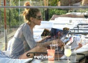 5aaec5128442404 Sarah Jessica Parker in a Bikini chillin at a Spa Resort